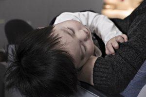 4 tips för att få barn att sova om natten